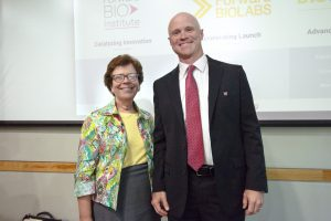 UW-Madison Chancellor Rebecca Blank and Professor William Murphy